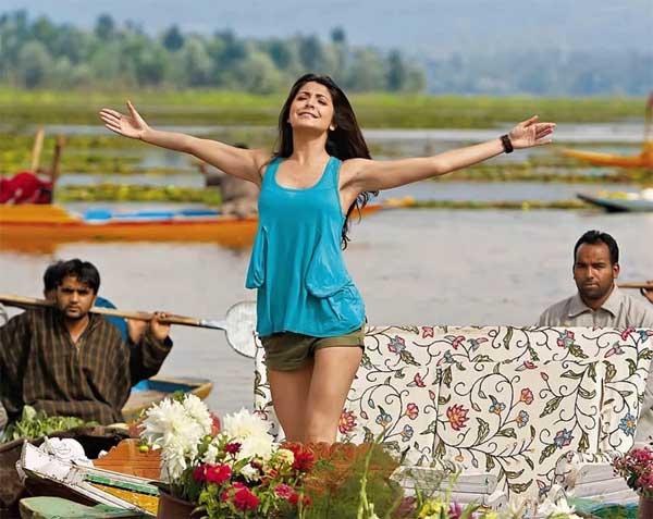 Anushka Sharma shorts